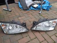 Ford Mondeo head lights 03 Reg