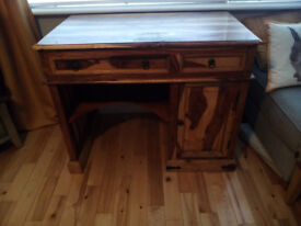 BEAUTIFUL SOLID WOOD WRITING/COMPUTER DESK £125 OFFERS