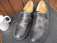 Mens Size 9 Black Leather, Lace Up, Wide Fit Shoes, Comfort Soles by Trustyle