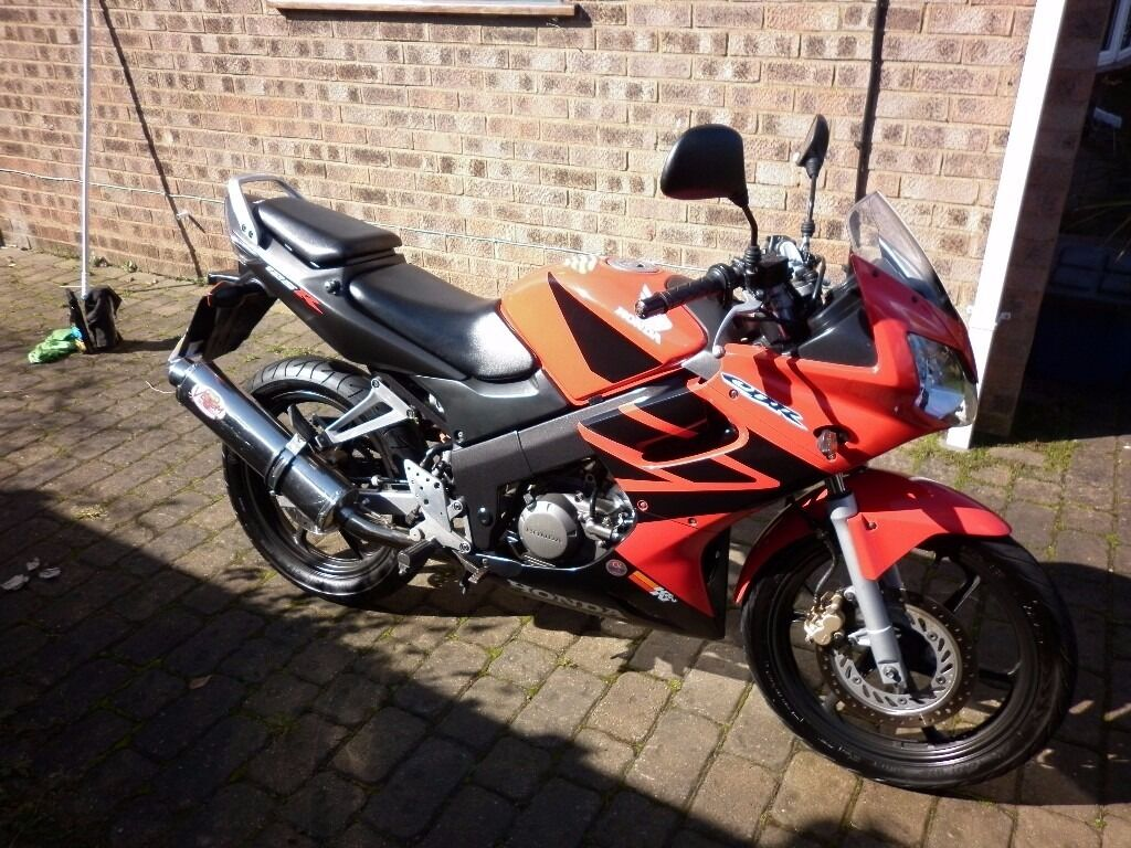 honda cbr 125r4 jc34 2004 red in rayleigh essex gumtree. Black Bedroom Furniture Sets. Home Design Ideas