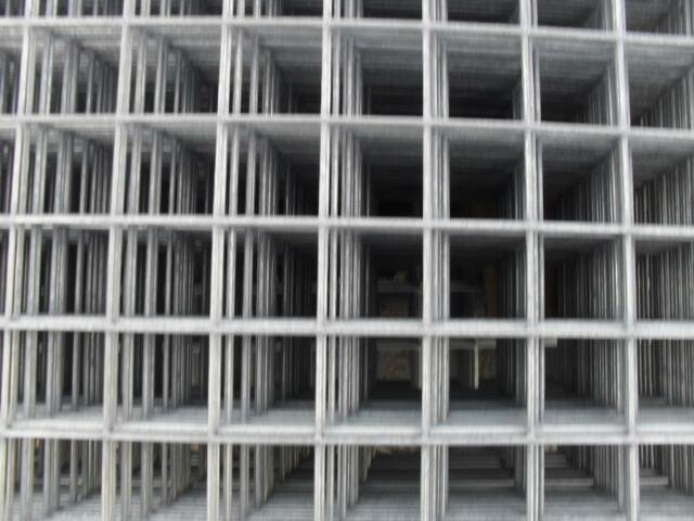 Galvanised Sheet Metal Fencing Mesh Panels Weld Wire Cage