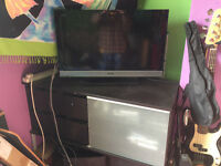 Sony Bravia HDTV 32X301 + IKEA TV cabinet