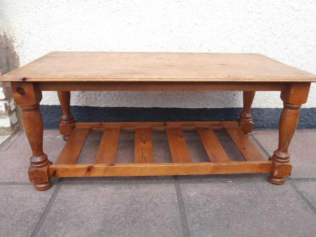 Pine wooden coffee table delivery in eltham london for Coffee table delivery