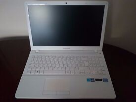 SAMSUNG NVIDIA GRAPHICS WHITE LAPTOP