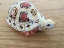 Royal crown derby china Imari turtle paper weight with gold stopper excellent condition in own box
