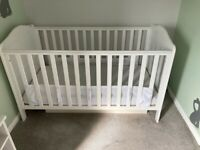 Mothercare cot/toddler bed with cot-top changer
