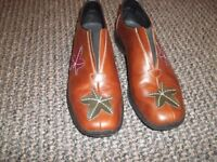 Ricker Anti-stress shoes. Size 3. Worn once.