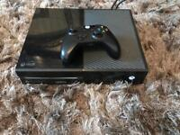 BLACK XBOX ONE 500GB EXCELLENT CONDITION FULLY WORKING + OFFICIAL WIRELESS CONTROLLER + GAMES