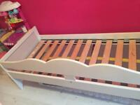 Toddler bed frame