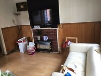 Spacious 2/3 bedroom flat just off Brick Lane ideal for sharers/companies 10 min from Liverpool Stre