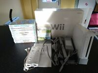Nintendo wii boxed 12 games, 2 controllers