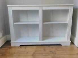 White bookshelves, shabby chic
