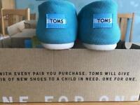 Toms marine blue heritage canvas shoes uk size 6