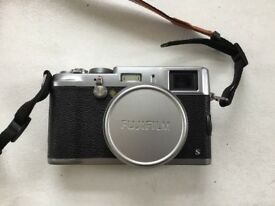Fujifilm X100s - Excellent condition - Low shutter count