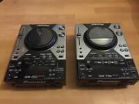 Pioneer CDJ 400s (pair)