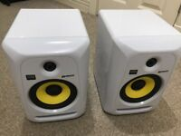 KRK ROKIT 6 Speakers White with Stands
