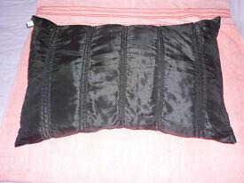 Black cushion 35x55 cm