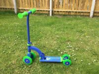 Ozbozz My First kids scooter - blue and green