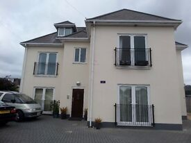 MODERN 2 DOUBLE BEDROOM FLAT to rent in a desirable CHRISTCHURCH location