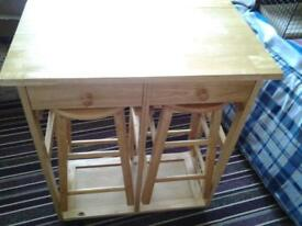 Table and 2 stool set