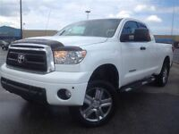 2010 Toyota Tundra | SR5 | 5.7L V8 | LEATHER | NAVI