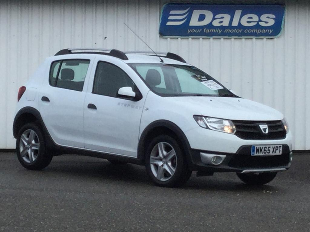 dacia sandero stepway 1 5 dci ambiance 5dr glacier white 369 2015 in newquay cornwall gumtree. Black Bedroom Furniture Sets. Home Design Ideas