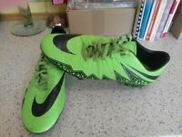 NIKE FOOTBALL BOOTS/SIZE 9.5/EXCELLENT CONDITION