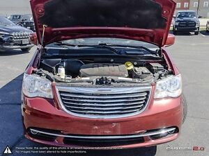 2014 Chrysler Town & Country Touring Cambridge Kitchener Area image 8