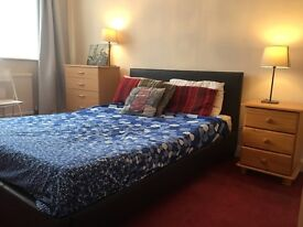 Newly Decorated Double Room,Nice Big Garden.