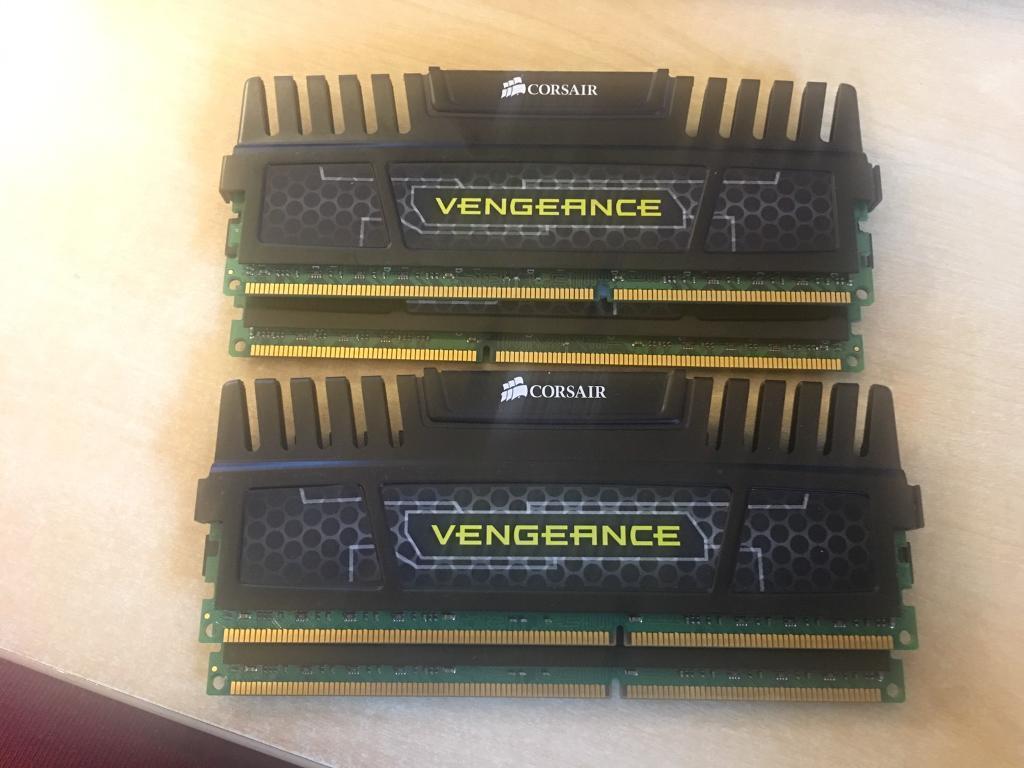 2 x 16GB Corsair Vengeance DDR3-1600 RAM Dual Channel