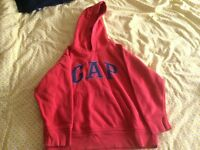 Boys 6-7yr Red GAP Hoody, good condition, from pet and smoke free home