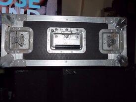 Heavy duty riveted 4u flight case + rack strips for standard rack mount lids butterfly latch