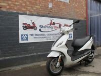 PIAGGIO FLY 50cc WHITE COLOUR 2013 EXCELLENT CONDITION