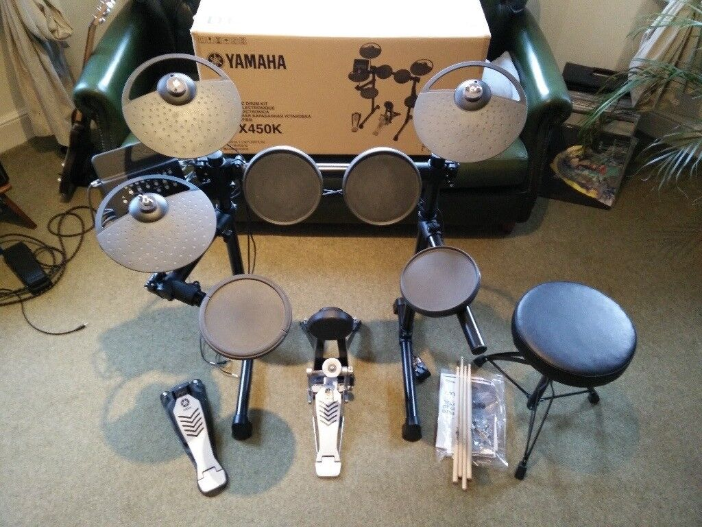 Yamaha DTX450K electric drum kit. Mint and Boxed