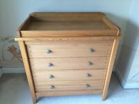 MAMAS AND PAPAS COT BED AND CHENAGING CHEST OF DRAWERS