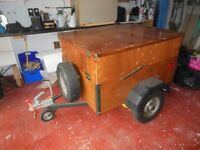 COMPLETE SET OF CAMPING EQUIPMENT WITH DOUBLE DECKER TRAILER