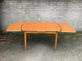 LOVELY MIDCENTURY EXTENDABLE TABLE FREE DELIVERY 🇬🇧RETRO MIDCENTURY