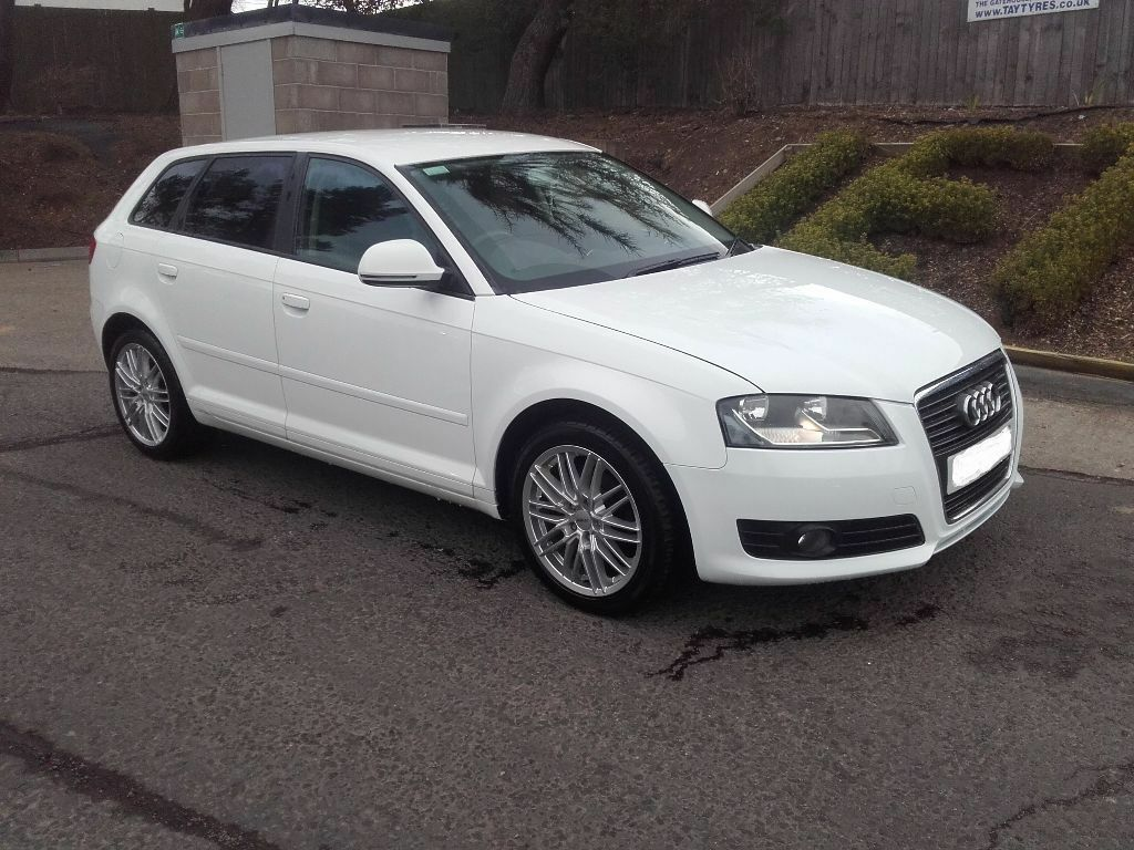 2010 audi a3 sportback 1 6 in white 28500 miles may px. Black Bedroom Furniture Sets. Home Design Ideas
