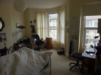 KING SIZE BEDROOM IN BEAUTIFUL VICTORIAN HOUSE-ALL INCL