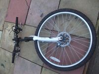 mountain bike wheel and forks AND CRANK SET FOR 21GEARED BIKE SR TOUR SET