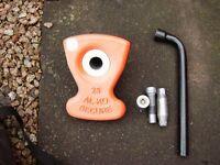 alko secure caravan wheel lock no.25