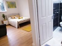 LARGE SPACIOUS COUPLES ENSUITE ROOM FOR RENT IN CRICKLEWOOD PINE ROAD NW26SB