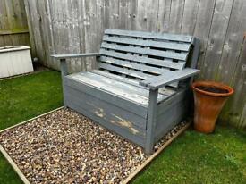 Garden Pallet / Rustic Chair