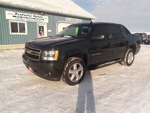 2013 Chevrolet Avalanche LT, LEATHER, SUNROOF, NAVI, B-UP CAMERA