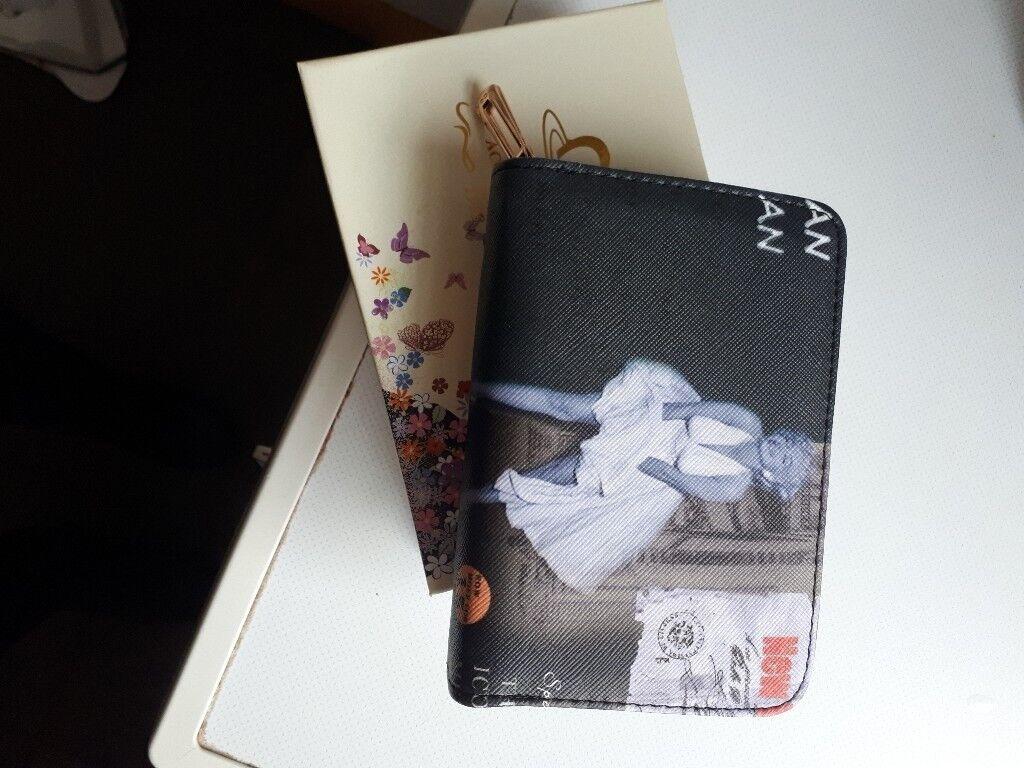 9fef5ff443 Marilyn Monroe purse with box