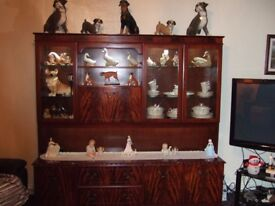 LARGE LIVING ROOM DISPLAY UNIT AND DRINKS CABINET BY O'DONOGHUE