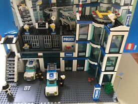 Lego City Police Station 7498 100% Complete Boxed with Instructions