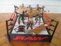 WRESTLING RING & FIGURES WITH STRETCHER & CHAIR
