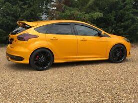 Ford Focus ST3.5 Tangerine scream!