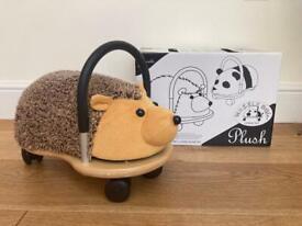 Wheely bug plush hedgehog